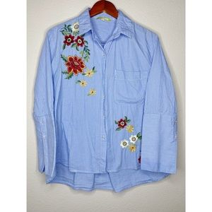 Gianni Bini Floral Embroidered Button Down size M